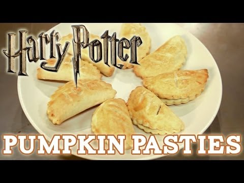 How to make PUMPKIN PASTIES from HARRY POTTER! Feast of Fiction S3 E2