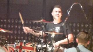 Arctic Monkeys - MATT HELDERS TRICK on Brick by Brick @ O2 Arena London, 29/10/2011 (HD)