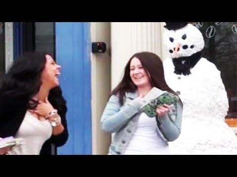 Strašidelný sněhulák