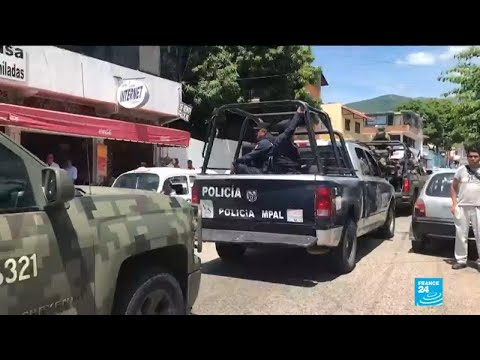 Mexico: Acapulco police disarmed over suspected crime links, two top commanders wanted
