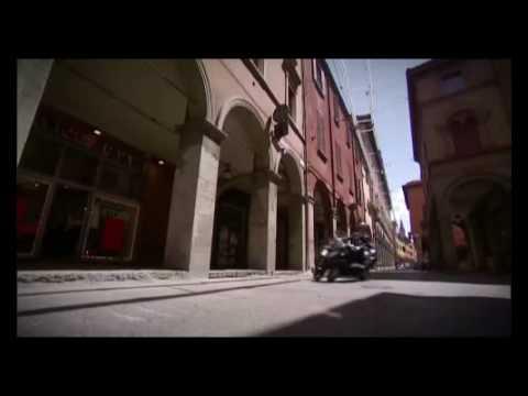 Piaggio MP3 LT 300 Official Video