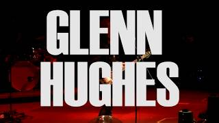 Glenn Hughes performs Deep Purple's Getting Tighter in August 2017