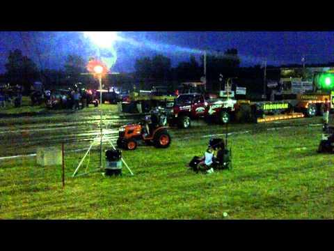 клип про трактор - 1