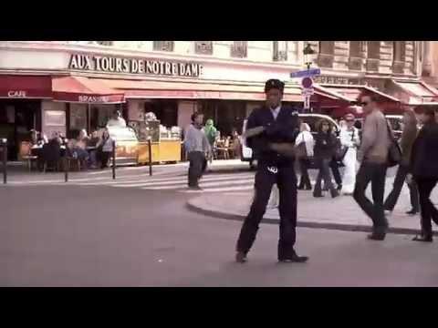 Flashmob La Mutuelle Générale sur le parvis de Notre Dame
