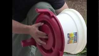 Poultry Quick Clean Bucket Waterer Assembly