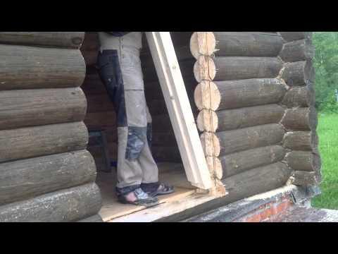 Монтаж металлической двери в деревянный дом