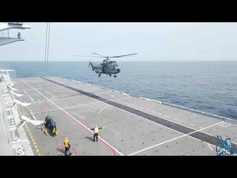 Las Fuerzas Armadas de Brasil realizan operaciones aéreas a bordo del buque Atlântico