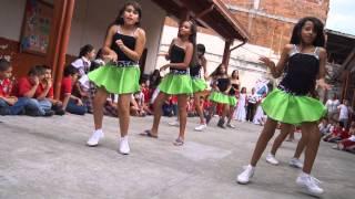 baile en la escuela arnulfo florez