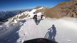 Смотреть онлайн 40 минут скатывания с гор (даунхилл)