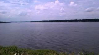 preview picture of video 'Ottawa river at Greens point'