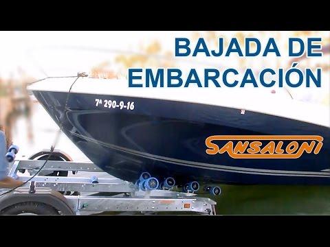 Bajar embarcación desde remolque náutico