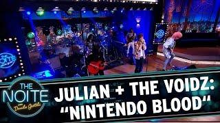 "Julian Casablancas e The Voidz tocam ""Nintendo Blood"" | The Noite (18/10/17)"