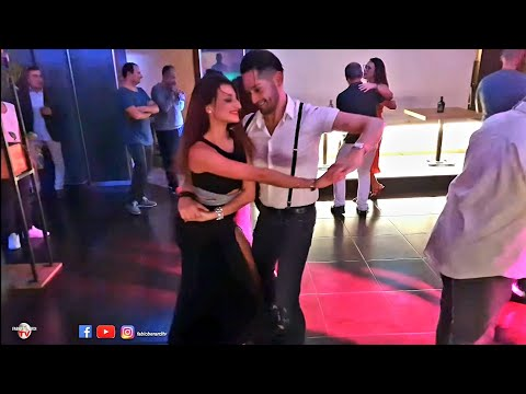 Hugo Cesar Càrdenas & Chiara Perella / Salsa Social Dancing @ Moodies Latino