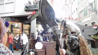 スイス発  ルツェルン旧市街市内に、巨大ドラゴン出現!【スイス情報.com】