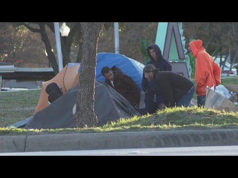 Neighbors say homeless camps growing on Riverside Drive medians