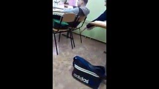 Приколы / Люди: Школа! Одноклассники издеваются, учитель молчит!
