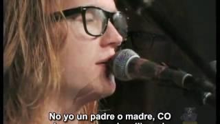 Aaron Gillespie sings 'Anthem Song' -ESP-
