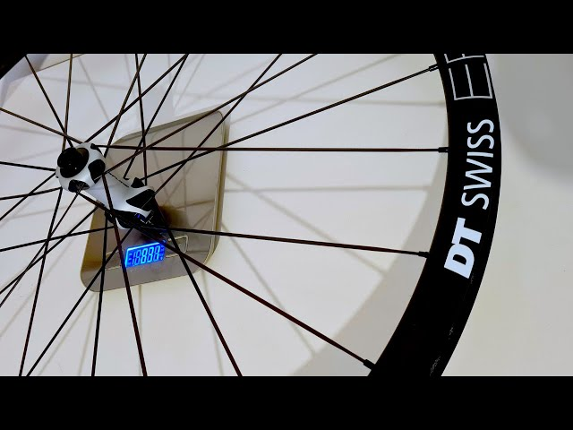 Видео Колесо заднее DT Swiss ER 1600 SP 700C CL 32 12/142 AXDR