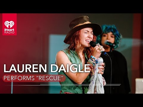 "Lauren Daigle Performs ""Rescue"" 