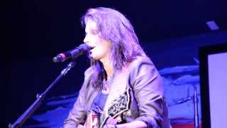 """Terri Clark """"Here For A Good Time"""" Live In West Palm Beach, FL, 11/15/13"""