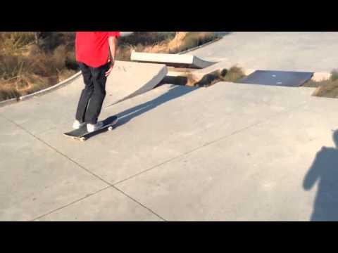 """Sam """"lunatic"""" at Ed skatepark"""