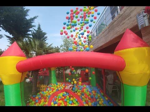 Zıpzıp Havuza balkondan 2500 top attık. Batman 2. kattan havuza atlıyor