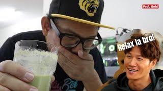 [Experiment 3 : Kim Jong Kook Healthy Shake]  My Ugly Duckling Ep. 79 : http://kshow123.net/show/moms-diary-my-ugly-duckling/episode-79.html  Nak beli KERENGGA : http://www.wasap.my/60186610104/kerenggapadubeb  Nak buat PC di Racun Tech : https://www.facebook.com/TechRacun/  Untuk video kali ni lain sikit dari video-video eksperimen sebelum ni. Kalau sebelum ni ada melibatkan proses menggoreng tapi kali ni takde.  Video kali ni aku buat Healthy Shake by Kim Jong Kook.  Kalau sesiapa nak buat, di bawah ni ada ringkasan resepinya.  ---FULL PORTION RECIPE---  - 10 green grapes - 400 grams of chicken breast (Boiled) - 25 pieces of Almonds - Small bunch of Kale - 2-3 Brussels Sprouts (Boiled) - 3-4 Mandarin Oranges - 1 Banana  Semua langkah-langkah nak buat boleh tengok dalam video di atas.   ---HALF PORTION RECIPE (1 liter)---  Untuk recipe half portion ni, aku just bahagi dua beberapa bahan dan aku ganti bahan yang takde.  - 5 green grapes - 200 grams of chicken breast (Boiled) - 12 pieces of Almond - Some Kale - 2 broccolis (Boiled) - 1-2 Full Mandarin Oranges - Half to 1 full Banana   Enjoy!