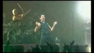 The Dead of  Night Depeche mode (Live) traducida