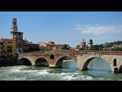 Verona / Italy - sightseeing in a very old Roman city HD