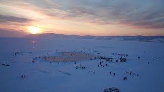 Любовь на Байкале: на льду озера появился каток в форме сердца