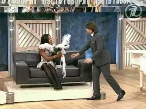 ", title : '""Пусть говорят"" с Naomi Campbell от 2 ноября 2010г.1/4'"