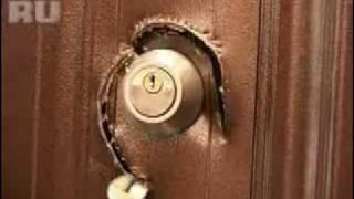 Смотреть онлайн Как проверить свою входную дверь на прочность