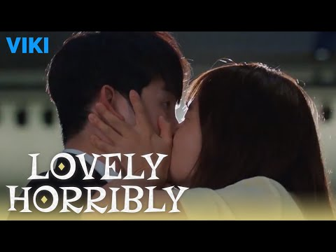 Lovely Horribly - EP9 | Song Ji Hyo Kisses Park Shi Hoo in Public [Eng Sub]