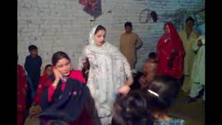 Peshawar Girl Local Wedding Home Dance || Desi Dance