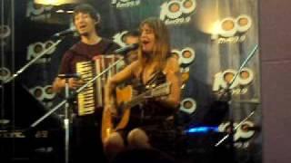 Fabiana Cantilo - Brillante Sobre el Mic Acustico 100