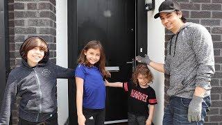 تحميل اغاني مفاجأة الأطفال ببيت جديد في لندن! MP3