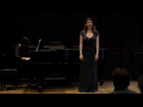 Performing Con que la lavare? from Joaquin Rodrigo's Cuatro Madrigales Amatorios
