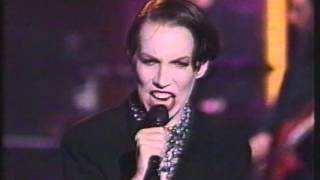 Annie Lennox -  Walking On Broken Glass ( MTV Live Arsenio Hall 1/3/92)