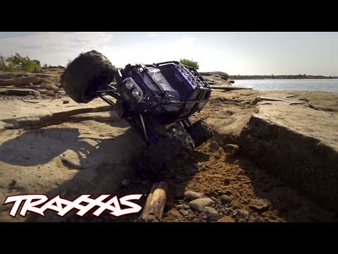 Traxxas Summit - All-Terrain 4WD Monster Truck