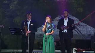 Csizmadia Anna és a Fokos zenekar
