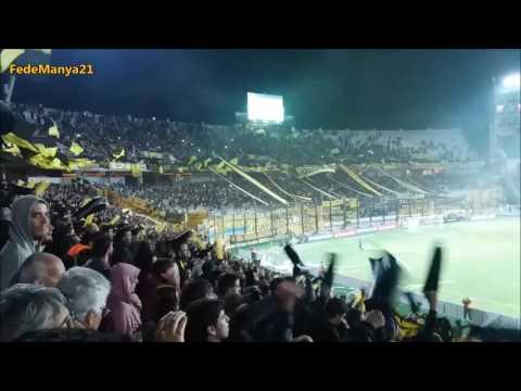 """""""Hinchada de Peñarol vs Atl Tucumán - Libertadores 2017"""" Barra: Barra Amsterdam • Club: Peñarol"""