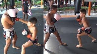 Ramadan Ondash,нереальный молодой муатайст,11-летние профи спарринг.Boxing Sparring.