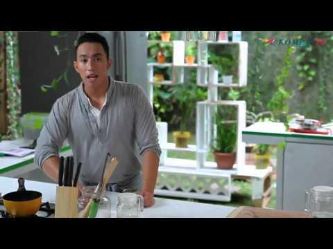 Video Meracik Minuman Segar Berry Rosemary Soda - Urban Cook