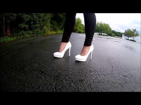 walking in high heel weiß mit leichtem glitzer