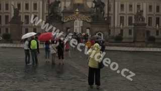 ČR - déšť - Praha - turisté