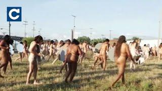 Майже дві тисячі жінок влаштували голий протест в США