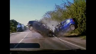 DashCam Russia - Crazy Drivers and Car Crashes 2017