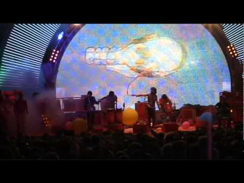 1st Time Live! The Sparrow Looks Up at The Machine - (HQ) The Flaming Lips