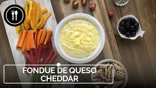 Cómo hacer FONDUE DE QUESO CHEDDAR fácil y en casa | Directo al Paladar