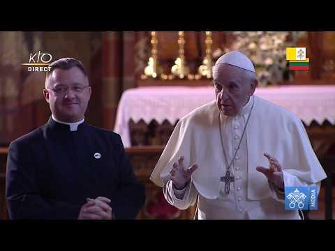 Rencontre avec les prêtres, les religieux, les personnes consacrées et les séminaristes